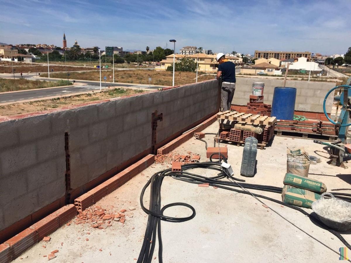 Фото отчет о строительстве демонстрационного дома в Испании.